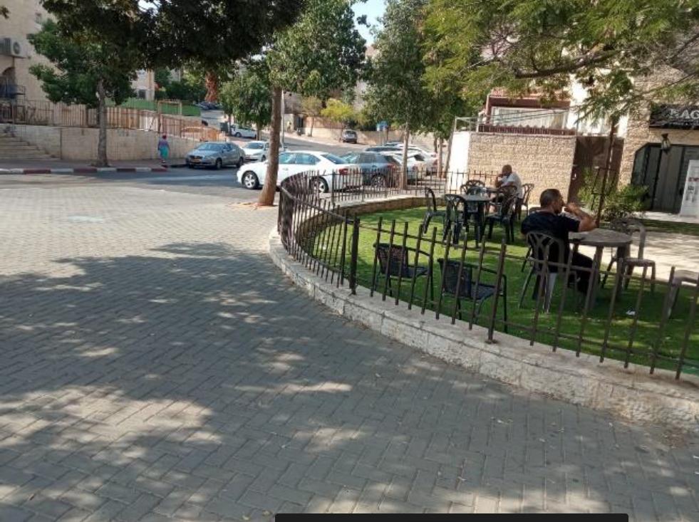 בתמונה: מפגש רחובות רחמילביץ'/טוניק )ראשית דגן(. מקום מפגש שכונתי